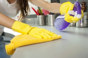 kitchen-counter-cleaning